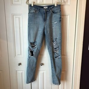 Forever 21 Distressed Boyfriend Jeans 29
